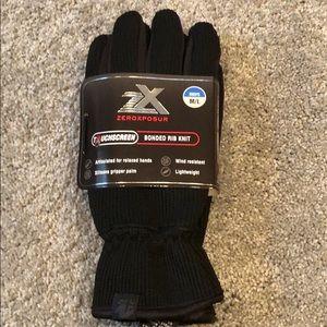 NWT Zeroxposur Mens touchscreen gloves.